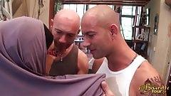 Miryam Bouachir se tape deux mecs pour le BeuretteTour