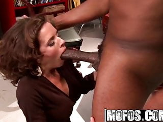 MOFOS - Dirty slut Veronica Avluv needs some BBC
