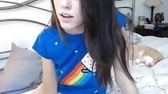Webcam teen model show her very little asshole