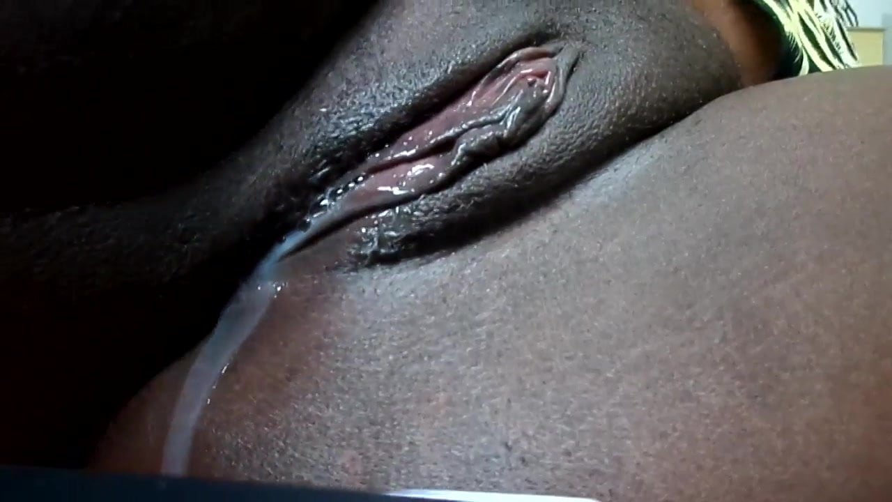 Black girl pussy dripping with cum — pic 6