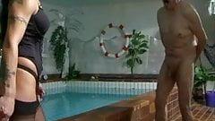 Plausch im Schwimmbad