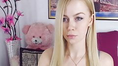 Teenage Busty Babe Loves Hot Shows on Cam