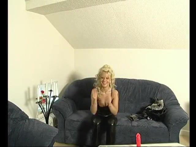 Hot bubbly milf in shiny pants