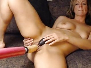 Fucking Machine Helps Her Cum
