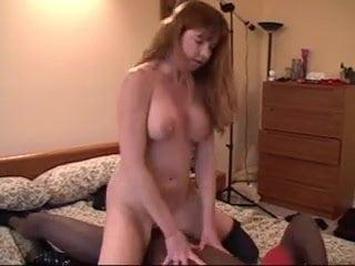 Sexy milf dee b1
