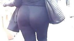 Jiggly Clap Latina Bubble clap walk