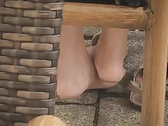 Fuesse, sooo suess. Feet sooo sweet.
