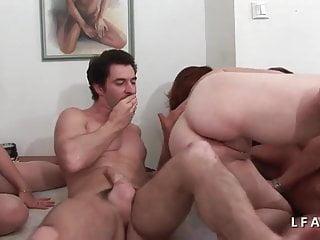 Video bokep online 2 coquines se chauffent et donnent leur cul dans un plan a 4 3gp