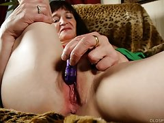 Naughty old spunker loves to fuck her soaking wet pussy 4 u Thumbnail