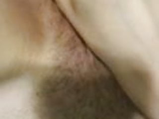 AMATEUR MAKES HERSELF CUM WITH VIBRATOR