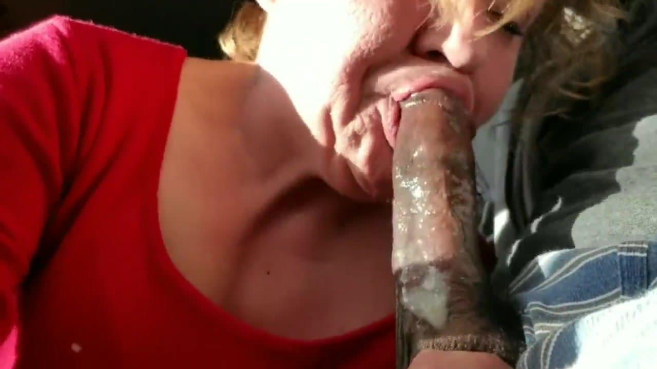 Swallowing black cock