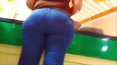INSANE BOOTY IN JEANS