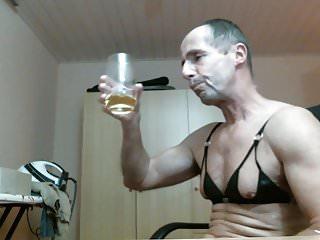 Gorgeous women Olibrius71 piss drink pinces nice