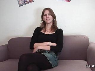 Casting amateur d une jolie brunette prise en double pene
