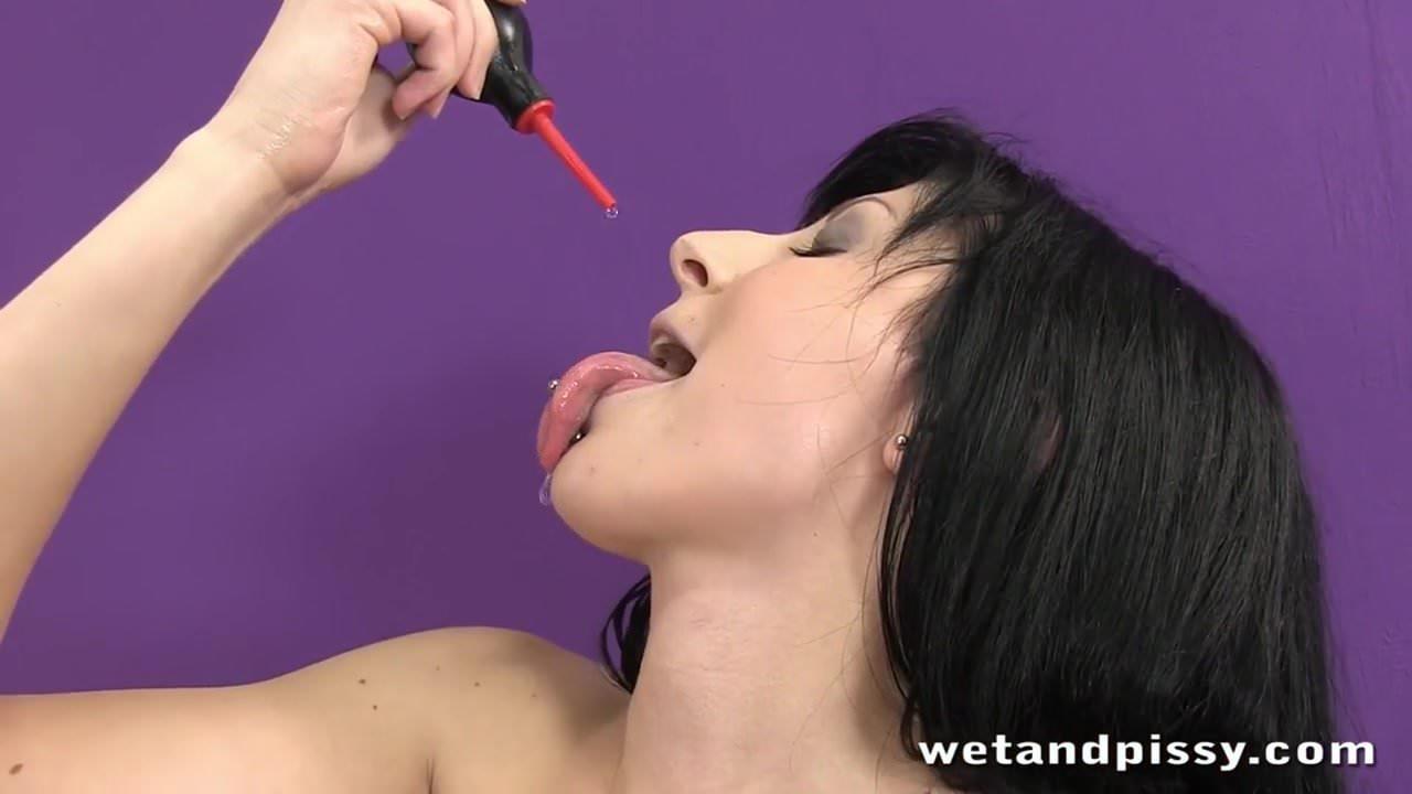 Wetandpissy naughty ella martin enjoys piss in mouth 4