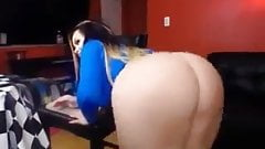 Curvy Slut Boootystar on Webcam #5