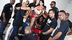 Gina Valentina Interracial Blowjob Orgy's Thumb