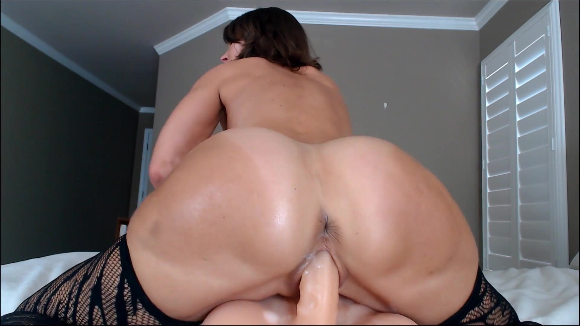 a girl playing with her pussy