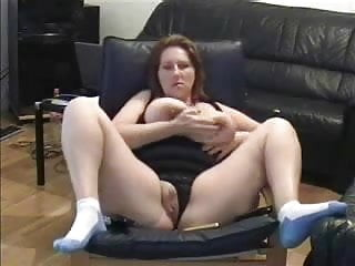 Chubby babe rubs and fucks her pussy