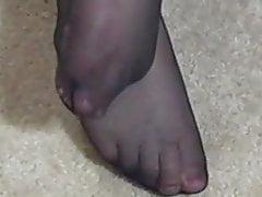 Mature Nylon Pantyhose Feet and Legs Teasing