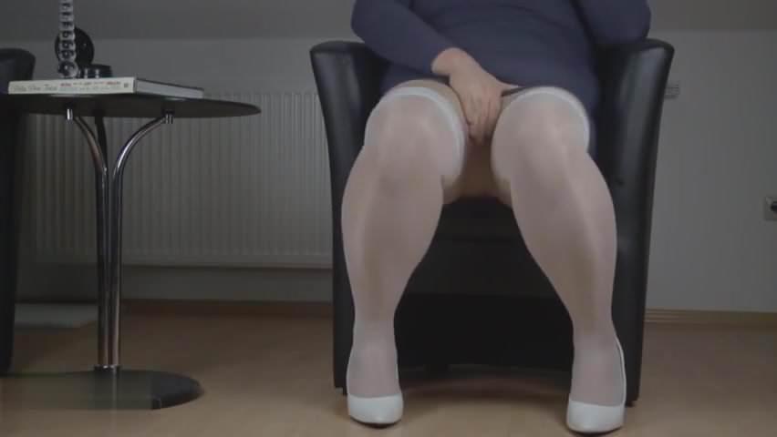 Crossdresser Pantyhose Pee Free Videos Watch Download