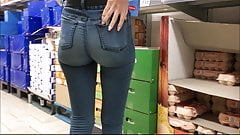 candid very sexy ass in jeans spyshot