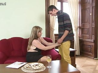 Real Stepmother Fucking And Sucking Not Her Son
