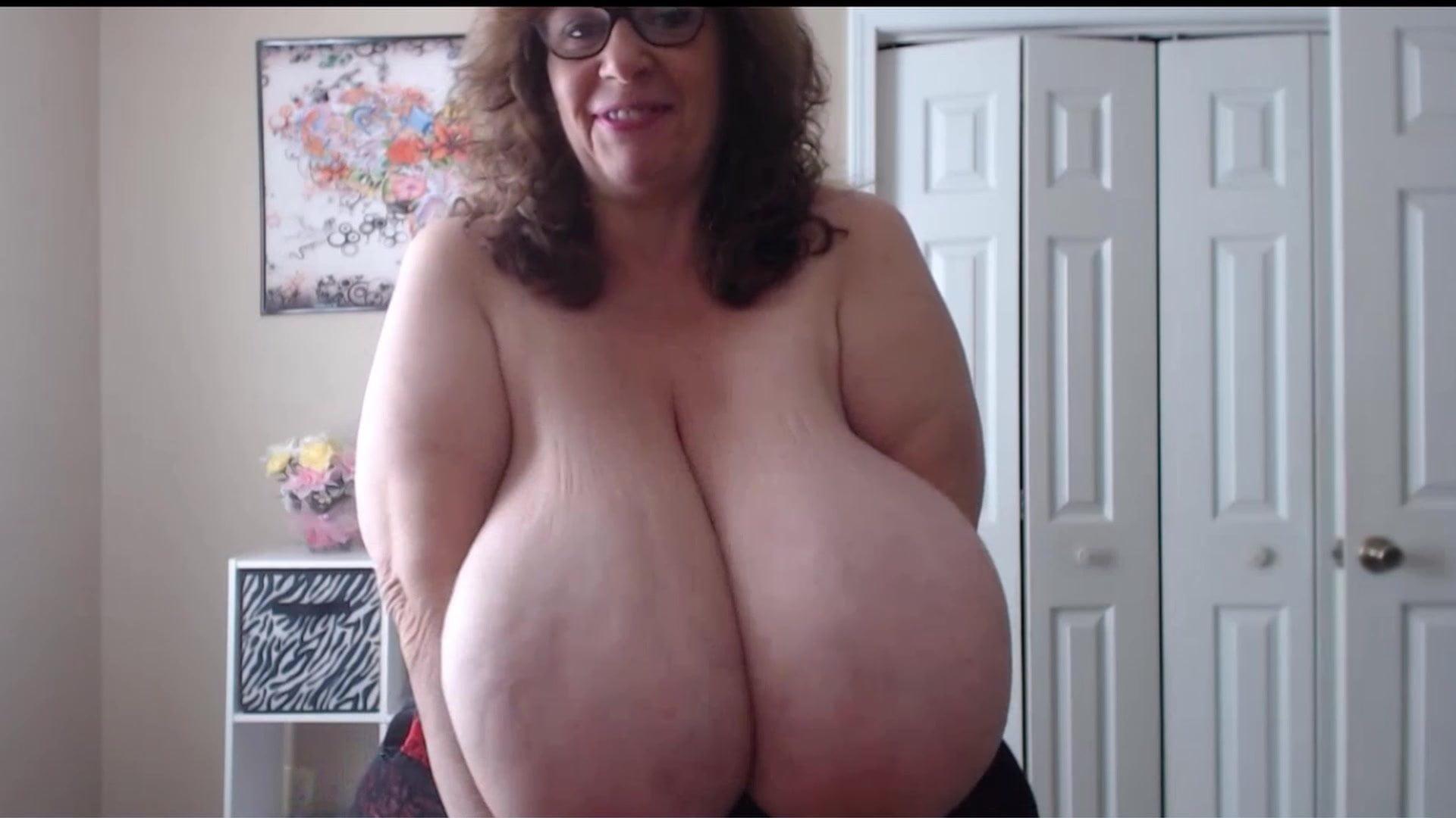 Natural big tits porn videos