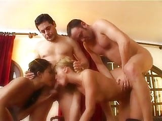 2 French girls fucked et analized by 2 men