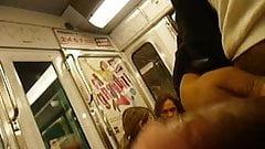 flashing 2 girls paris subway legendflashing