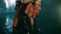 Rihanna  Pour It Up Spezial (Music Video)