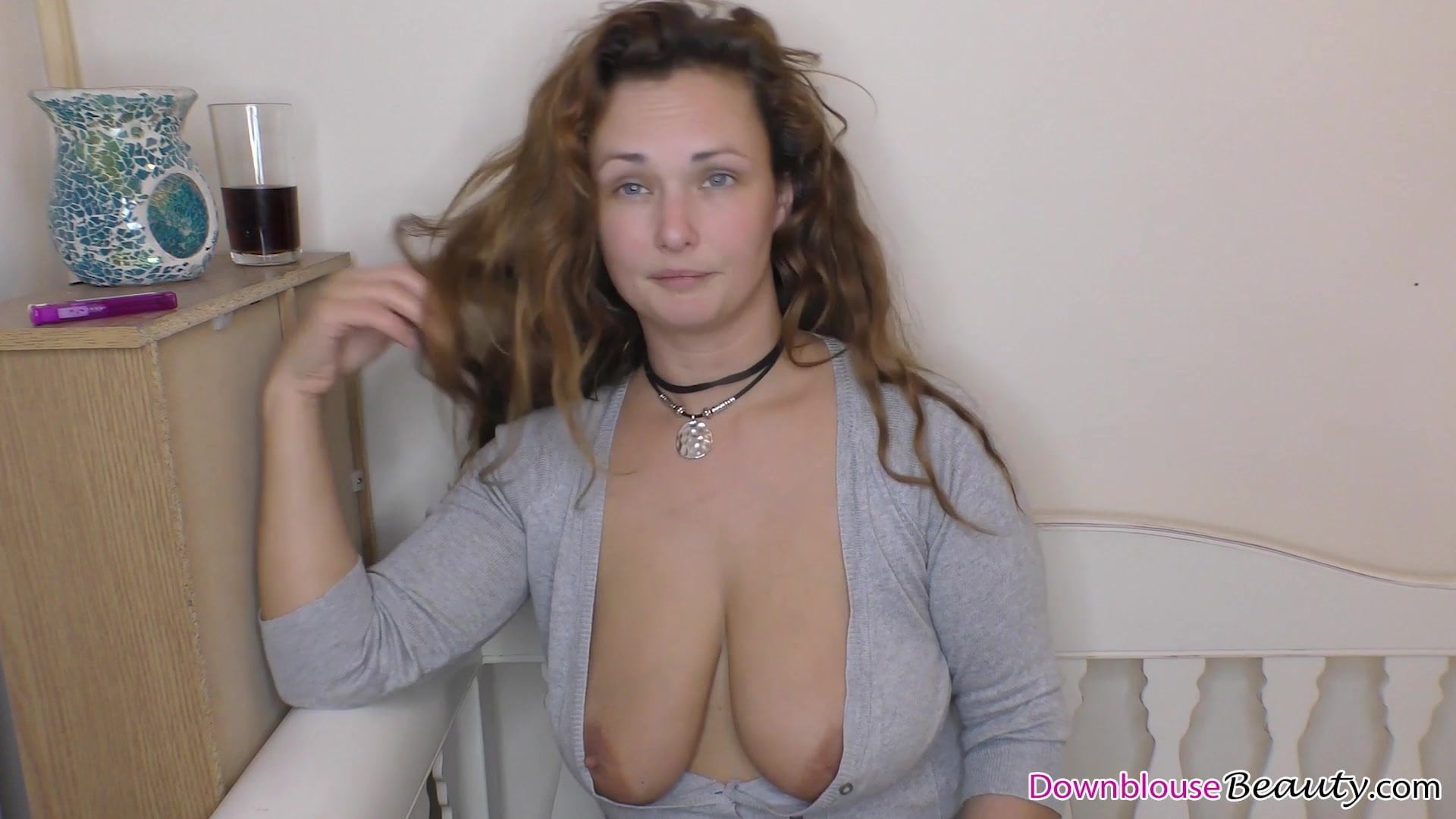 downblouse naked tits
