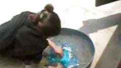 higab aunty fucked while washing