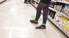 Shopper in black opaque pantyhose