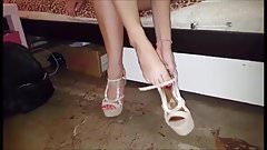 Noulita's sexy feet and legs, part 12