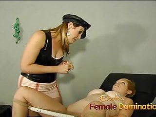 Saucy blonde bimbo lets her hot babe pleasure her wet cunt