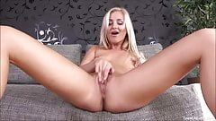 Hot Babe Cayla Tight Pussy Dildo Fucking