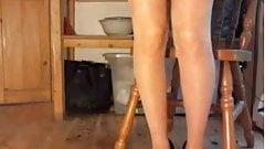 Upskirt pussy peg stretch