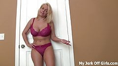 Jerk it to my big bouncing tits JOI's Thumb
