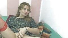 srilankan aunt