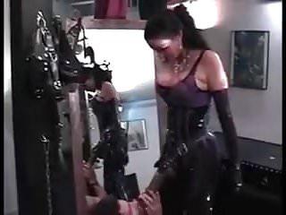Strapon-Mistress Carmen