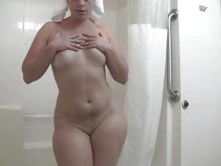 applyin lotion to that hot bodacious body