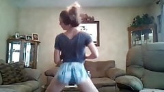 Blonde teen tight ass twerk