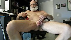 Big Beard Cums