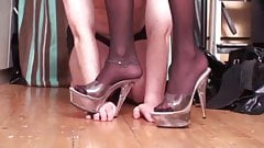 Nylon Ladies dominate slaves