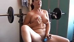 Sexy mature amateur with lovely boobs uses her favorite