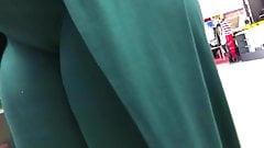 Ebony close-up cameltoe (green)