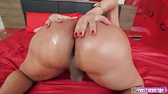 TS Masturbation - Kamila Klein