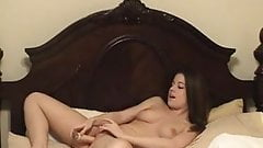 Beautiful babe masturbate