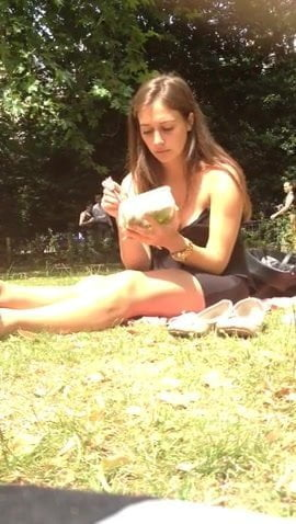 Candid Sexy Feet & Legs in London Park Face